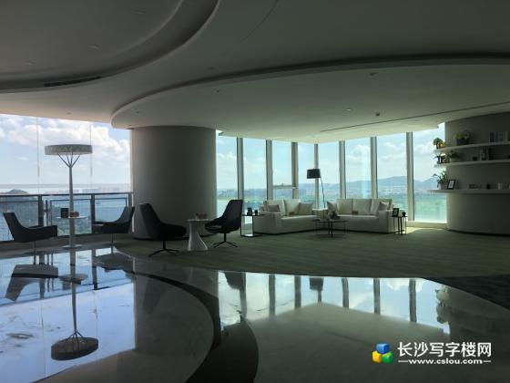 湘江中路汇景发展环球中心,江景房火热预售