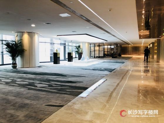 世茂环球金融中心6C极写字楼现在竞卖17000