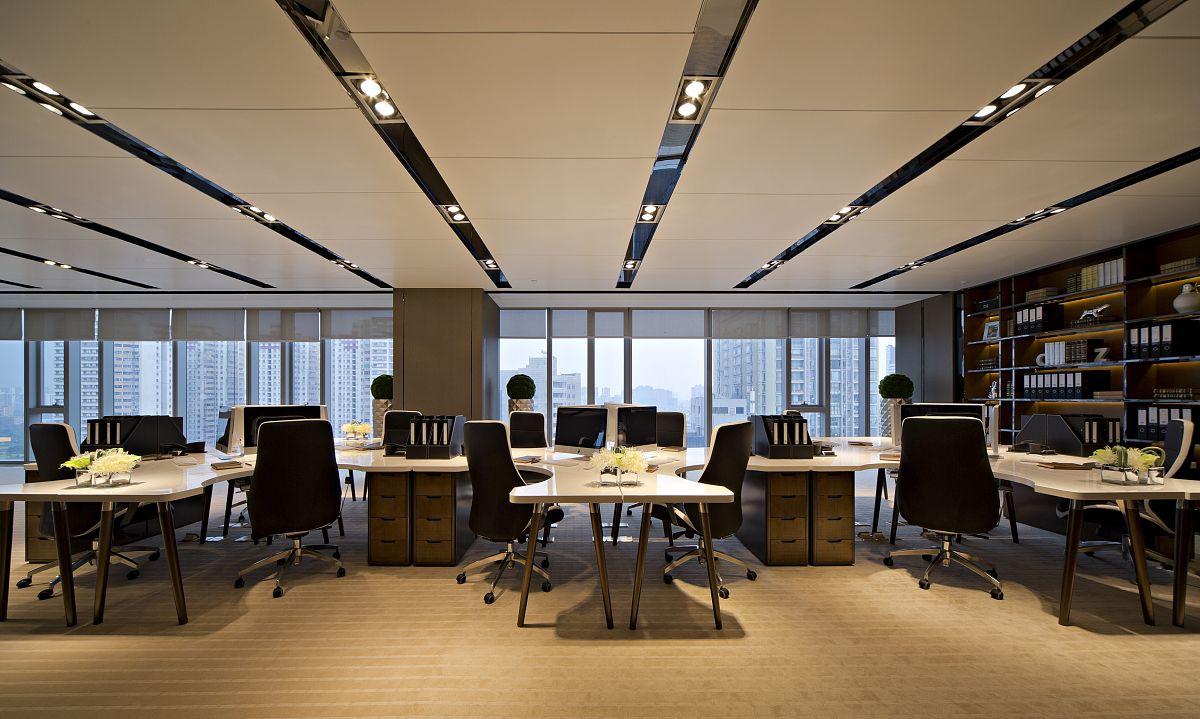 万达广场186㎡精装带全套家具适合各类型公司