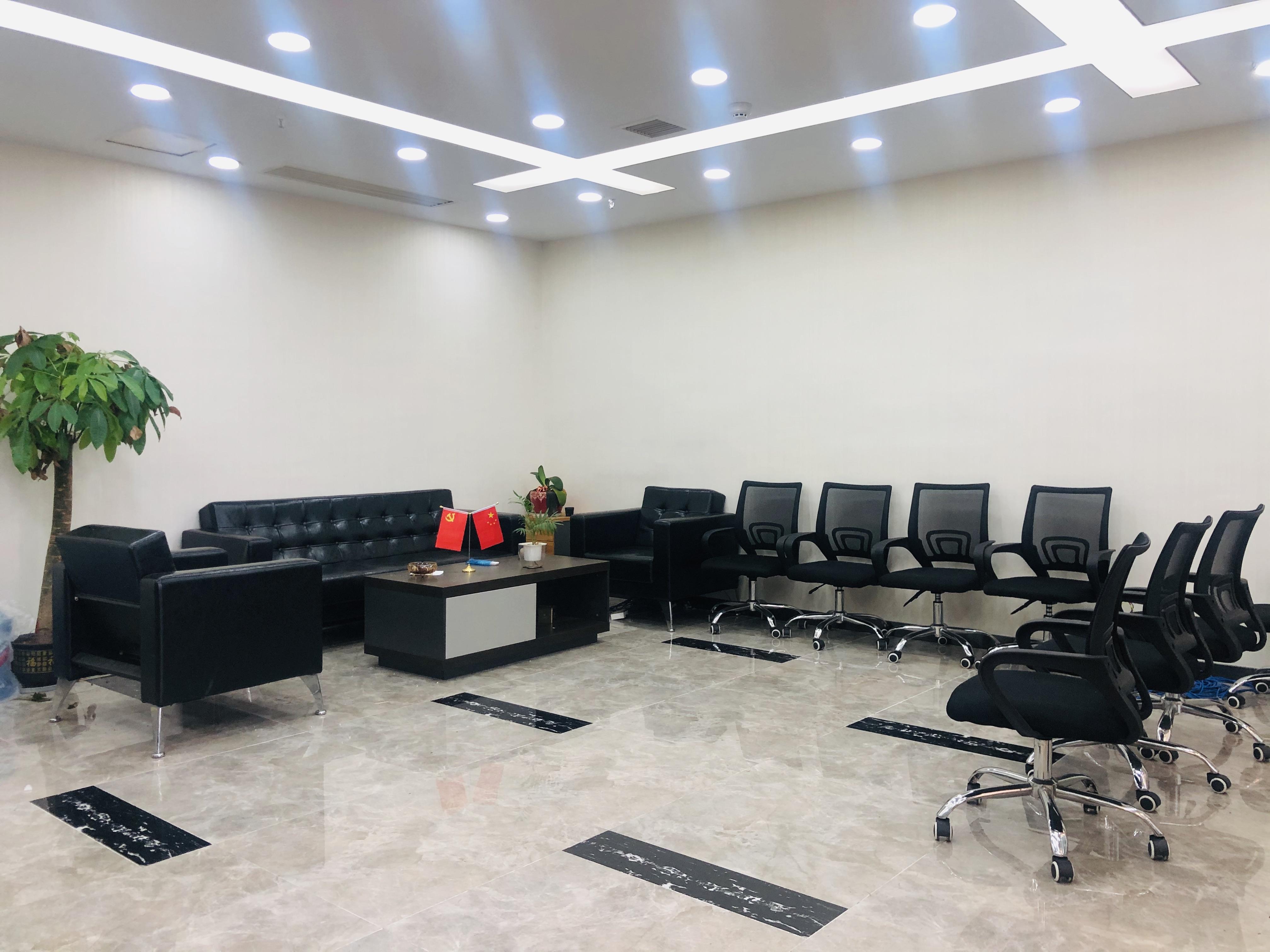 雨花亭,顺天金融中心148平精装带全套家具,拎包办公