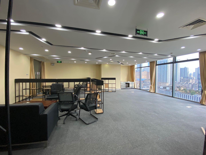 五一商圈  万达广场  正西江景  350平精装带全套办公家具